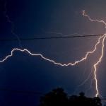 Jak klidnit děti při bouřce