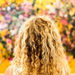 Jak pečovat o kudrnaté vlasy
